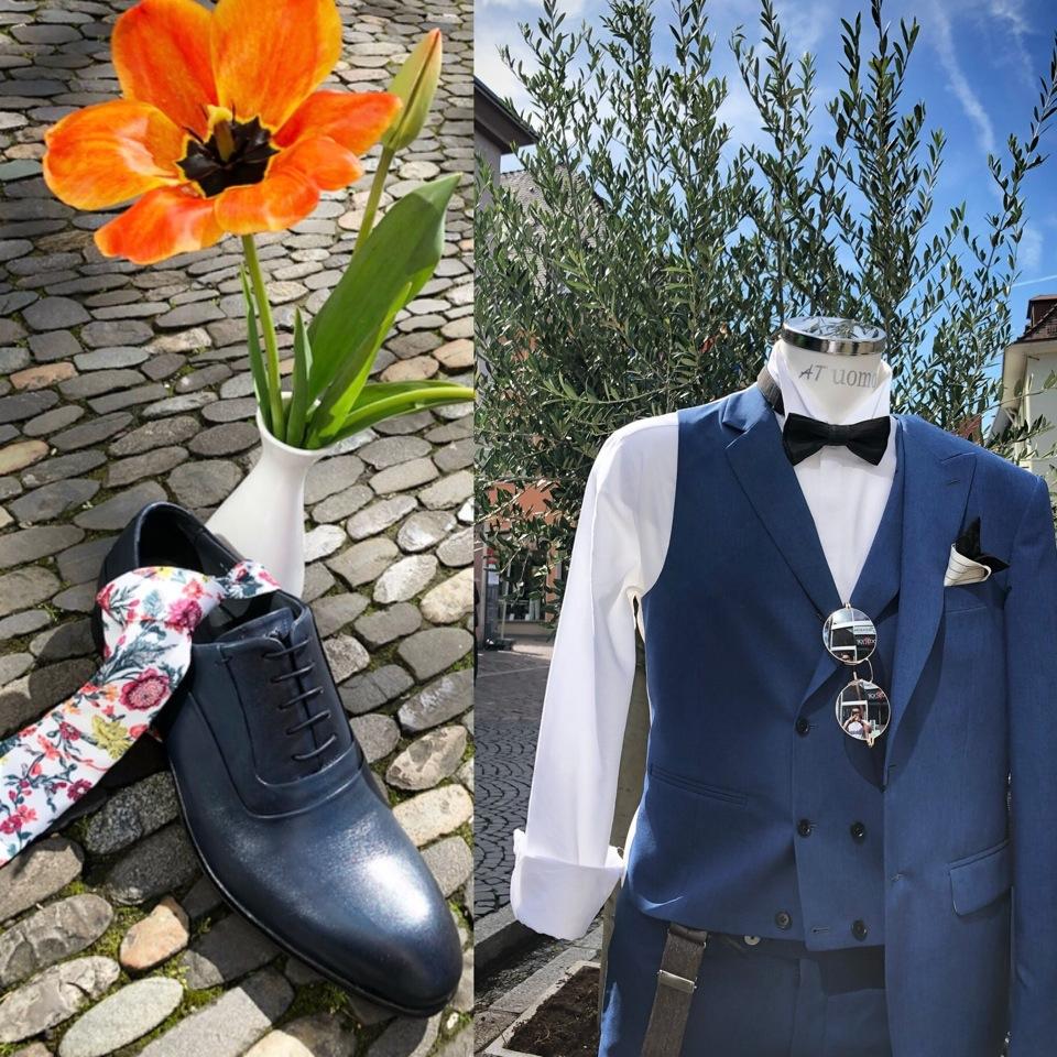 Blauer Anzug, Schuhe und Accessoires